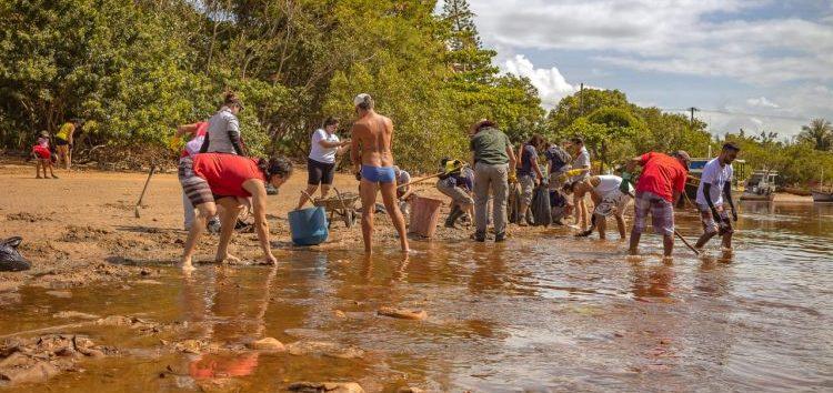 Instituto organiza segundo mutirão de limpeza das praias de Guarapari