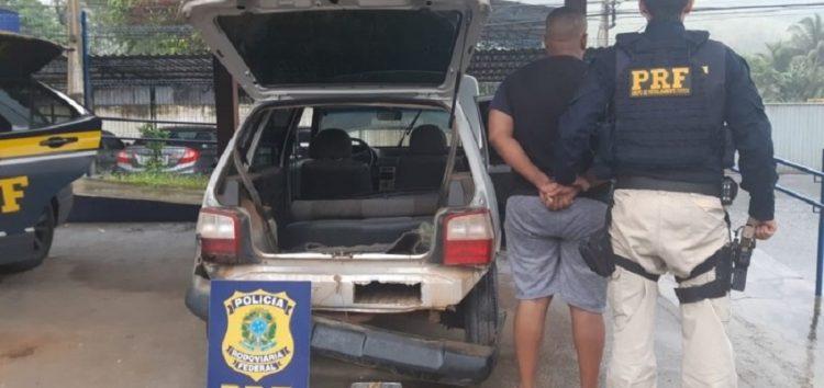 PRF apreende 7,5 kg de pasta base e cloridrato de cocaína em veículo que saiu de Guarapari