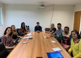 Em reunião com escolas de samba de Guarapari, prefeito anuncia repasse para o Carnaval de 2020
