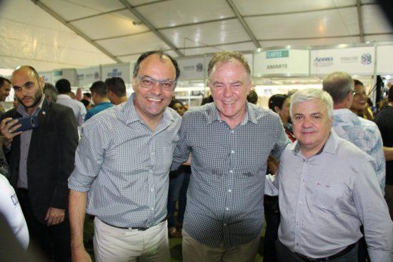 Governador participa de inauguração de feira interestadual de artesanato em Guarapari