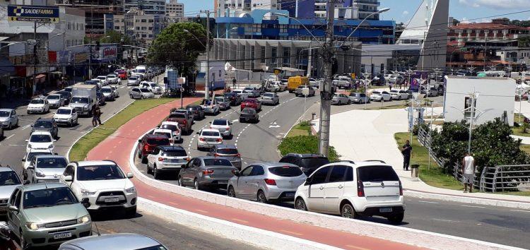 Reparo da EDP na ponte de Guarapari provoca engarrafamento e reclamações