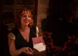 Escritora de Guarapari lança livro sobre empoderamento feminino