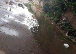 Guarapari: Moradora reclama pela terceira vez do esgoto a céu aberto no bairro Ipiranga