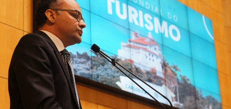 """""""Guarapari precisa olhar o turismo como um mercado para deslanchar economicamente"""", disse o subsecretário Estadual de Turismo"""