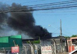 Avião monomotor cai sobre escritório de empresa em Guarapari