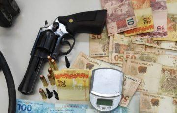 Polícia recupera veículo roubado de mototaxista e apreende arma usada no crime em Guarapari