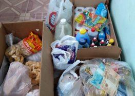 Amigos de infância distribuem doações em comunidades carentes de Guarapari