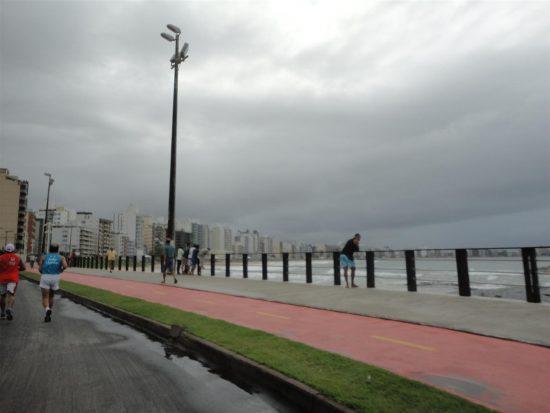 Passagem de frente fria deve mudar o tempo em Guarapari