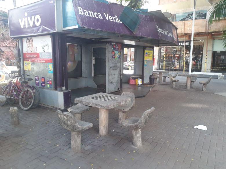 A praça do Bradesco está cercada: Só agora vai começar a discussão!