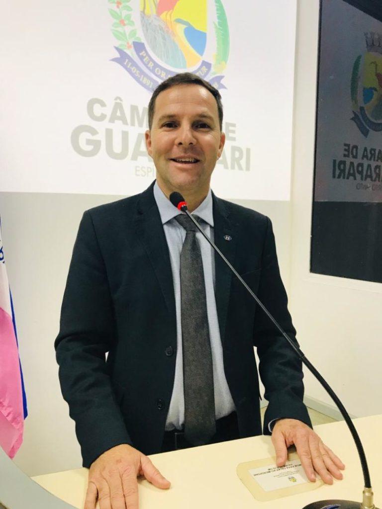 Vereador cria projeto para proibir empresas inadimplentes em licitações de Guarapari