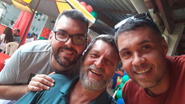 Após campanha de amigos, pai e filho tratam câncer com dinheiro arrecadado em Guarapari