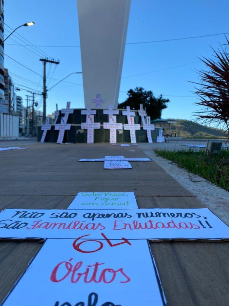 Grupos de Guarapari homenageiam mortos pela Covid-19 no município
