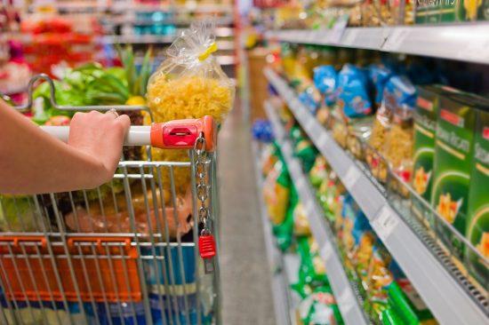 Vigilância Sanitária realiza ação de fiscalização em supermercados de Guarapari