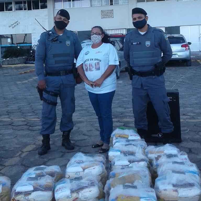 Entidade arrecada alimentos para artesãos de Guarapari afetados pela pandemia