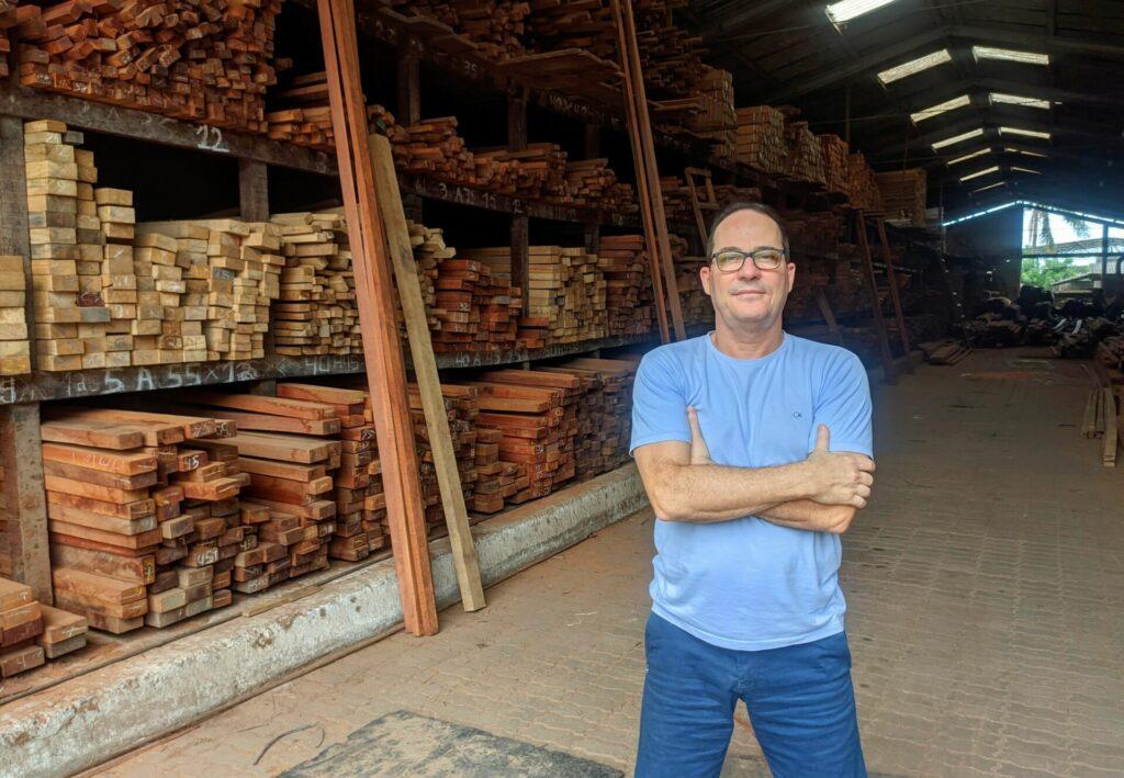 Junior Tofoli é proprietário da Tofoli Madeiras