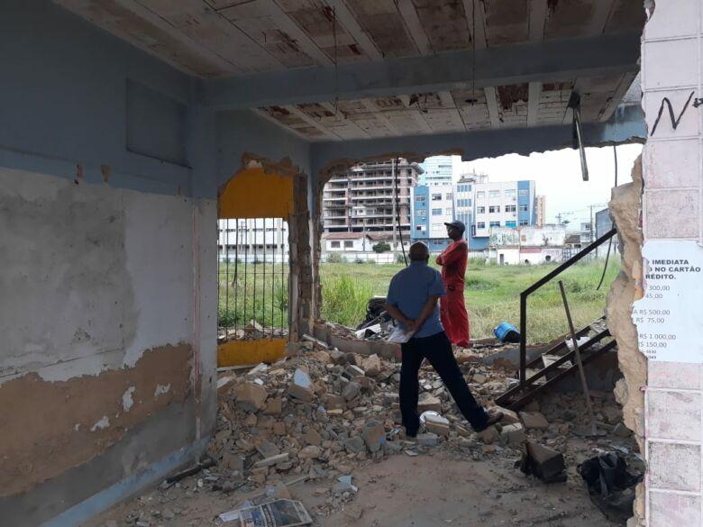 demolição para instalação do novo shopping