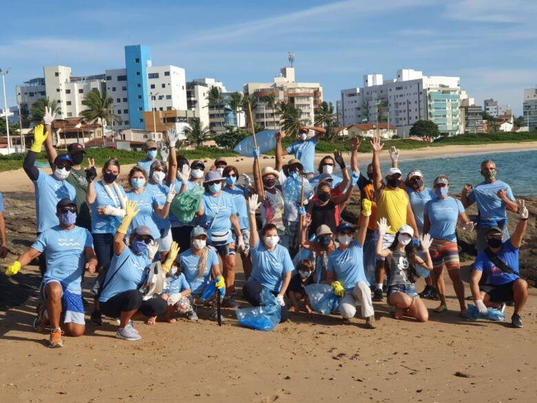 Limpeza, praias, Enseada Azul