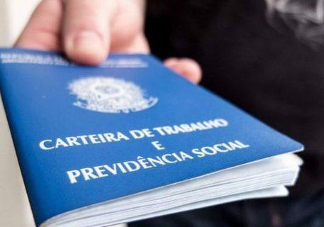 108319221_agencia-brasil_carteiradetrabalho