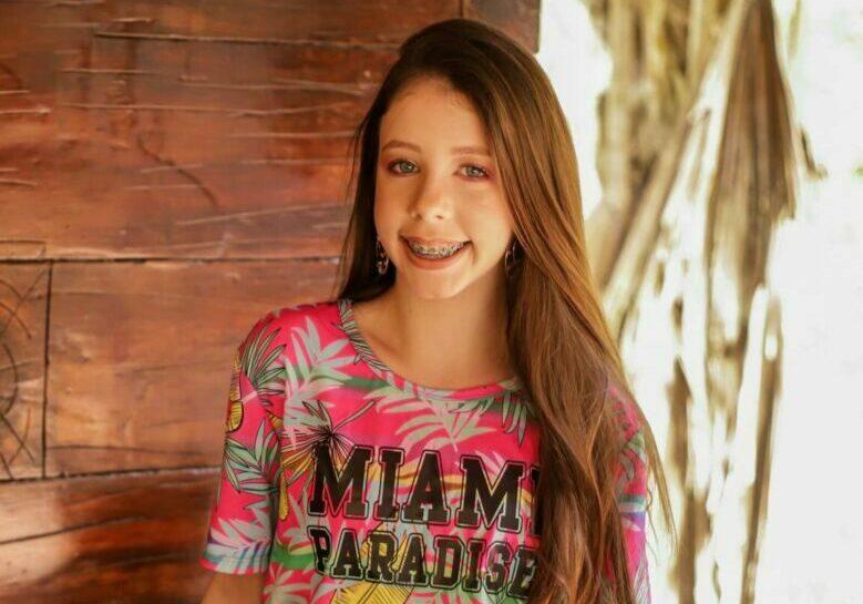 Lara Miss