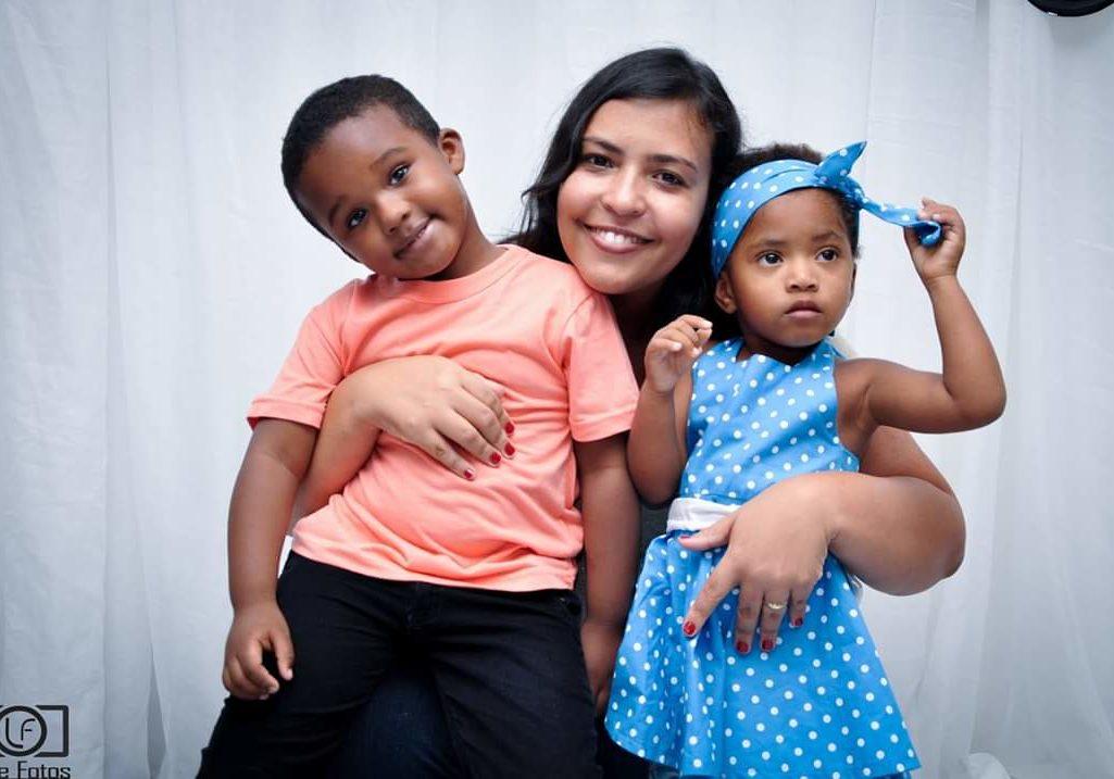 Virgínia Silva e os filhos Gabriel e Rafaela. Foto: Arquivo Pessoal