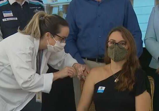 folhavitoria-vacina_professores-2021-04-15