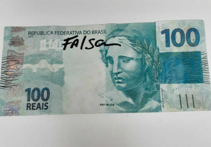 nota 100 falsa