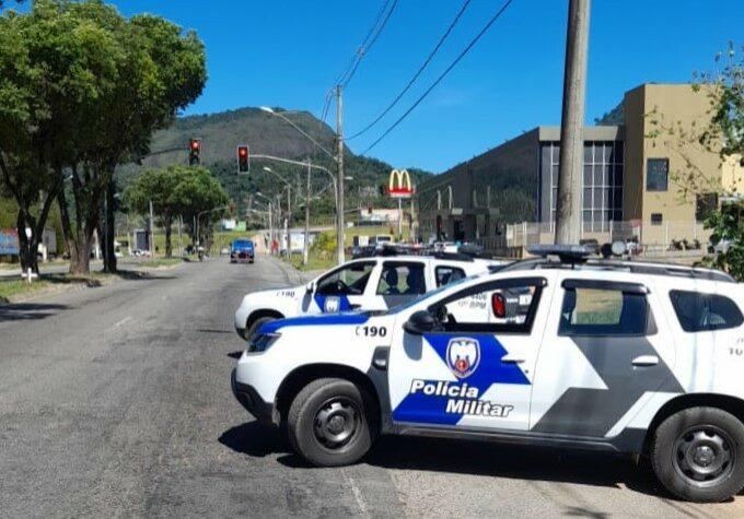 pm-10bpm-guarapari-rodoviaria-br-barreira-patrulhamento-blitz