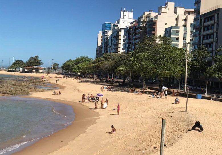 praia cheia